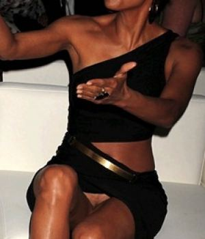 Black celeb Halle Berry No Panties At All