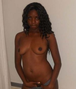 Kinky Black Amateur Hottie Sexy Body Exposed