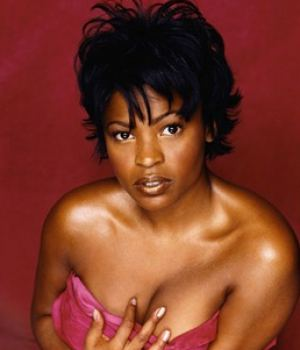 Nia Long Busty Black Celebrity Major Cleavage View